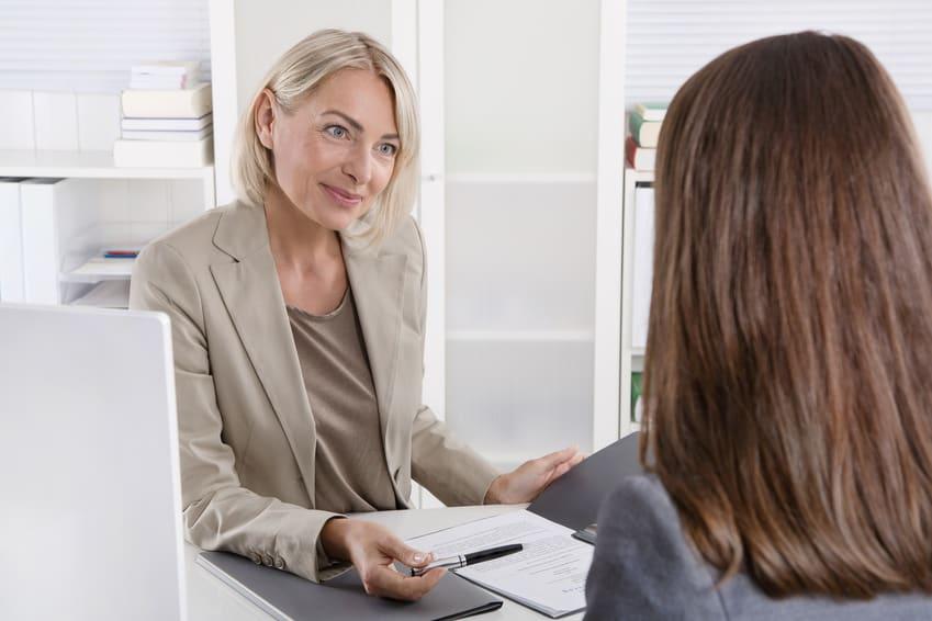 Bewerbung: Bewerbungsgesprch unter Frauen